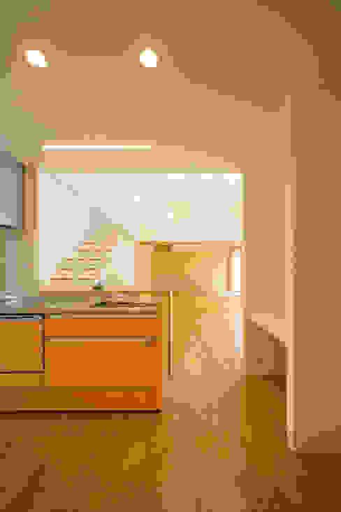 1階台所・広間・和室 モダンな キッチン の プラソ建築設計事務所 モダン