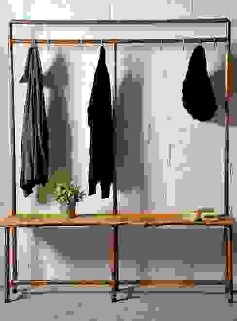 Mueble recibidor :  de estilo industrial de Insolid Corten Bcn, Industrial