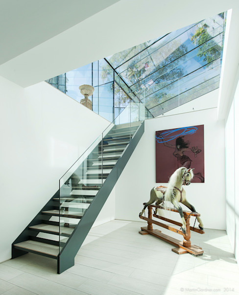Glass House Modern corridor, hallway & stairs by Martin Gardner Photography Modern