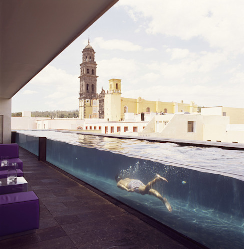 Piscinas de estilo  por Serrano Monjaraz Arquitectos, Moderno