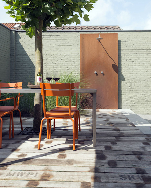 Buitendouche Moderne tuinen van De Rooy Hoveniers Modern