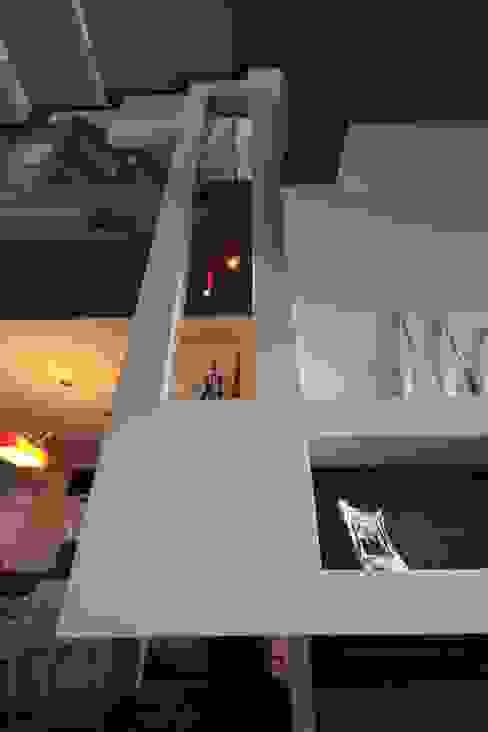 Modern living room by Studio Ferlenda Modern