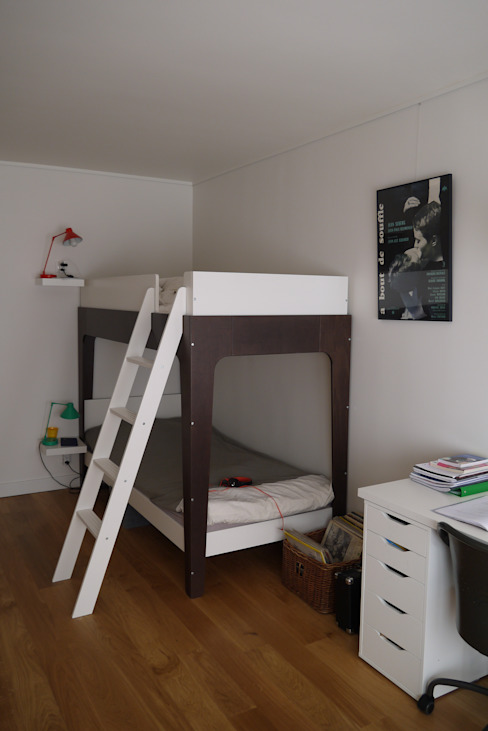 Modern nursery/kids room by Agence Laurent Cayron Modern