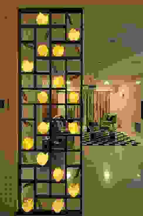 Site at Vile Parle Modern corridor, hallway & stairs by Mybeautifulife Modern