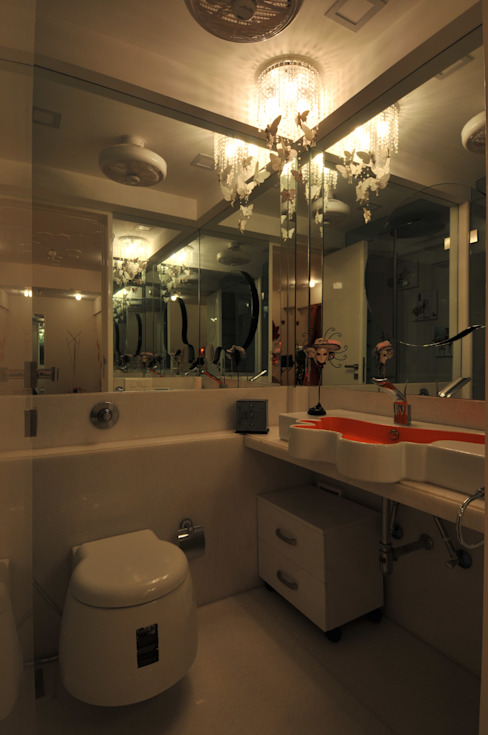 Site at Vile Parle Modern bathroom by Mybeautifulife Modern