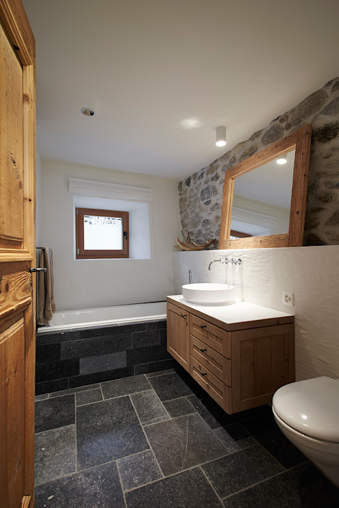 Rustic style bathrooms by homify Rustic
