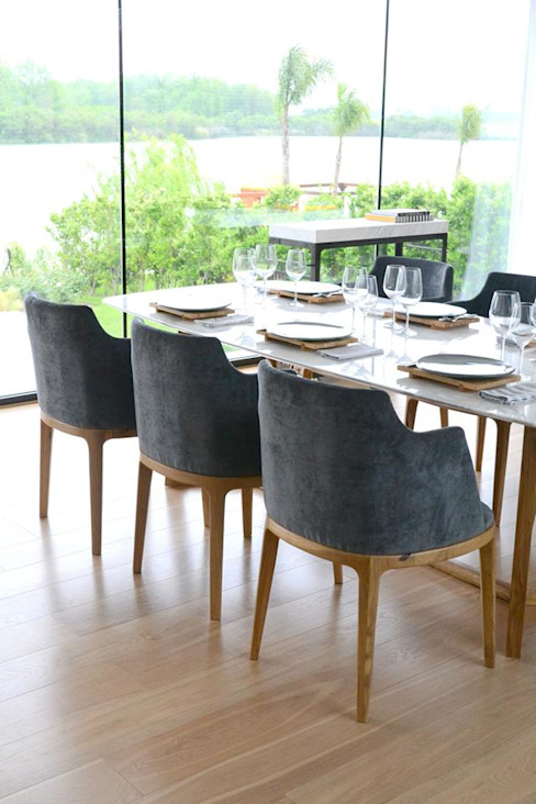 Classic style dining room by Estudio Dulce Cattaneo Classic
