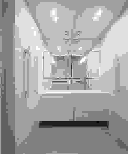 Minimalist bathroom by Ana Maria Timóteo _ arquitecta Minimalist