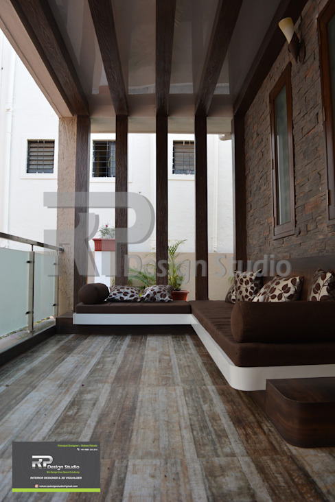 Outdoor Entrance Sitting Modern balcony, veranda & terrace by RP Design Studio Modern