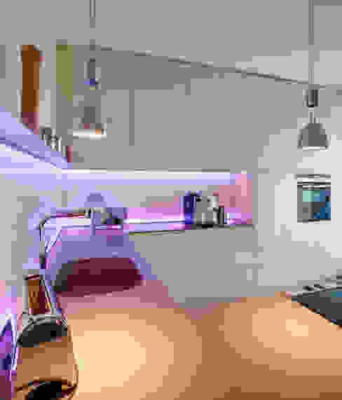 Raumgespür Innenarchitektur Design Ilka Hilgemann Cocinas de estilo moderno Vidrio Beige