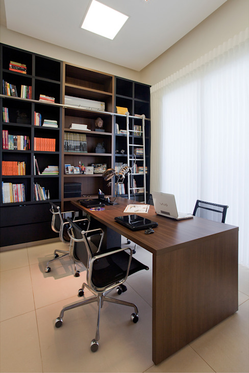 Modern Study Room and Home Office by Maria Helena Caetano _ Arquitetura e Interiores Modern