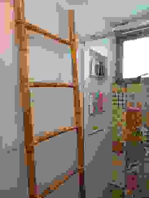 Banheiro do segundo andar Banheiros modernos por homify Moderno