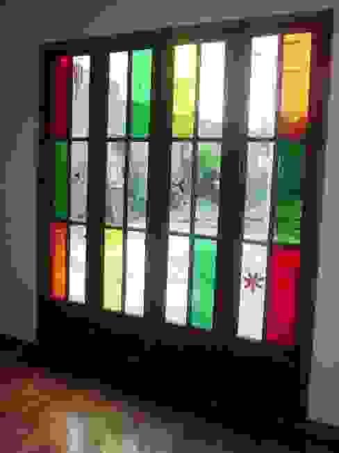 Reforma Casa en Caballito C.A.B.A Puertas y ventanas modernas de AyC Arquitectura Moderno