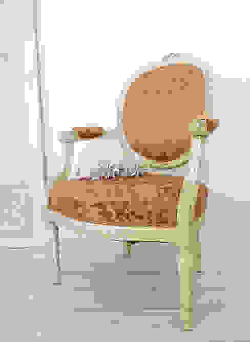 Maisondora Vintage Living Living roomSofas & armchairs Wood White