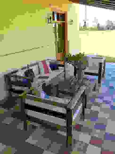 Interiorismo en Santa Bárbara: Balcones y terrazas de estilo  por CLC Arquitectura & Diseño de Interiores