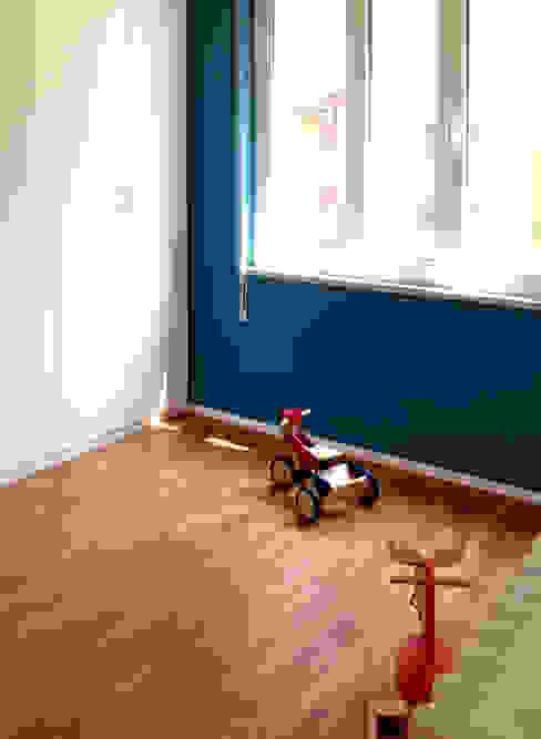 Dormitorios infantiles de estilo ecléctico de Atelier delle Verdure Ecléctico