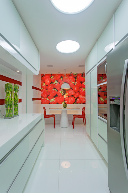 مطبخ تنفيذ Designer de Interiores e Paisagista Iara Kílaris, حداثي