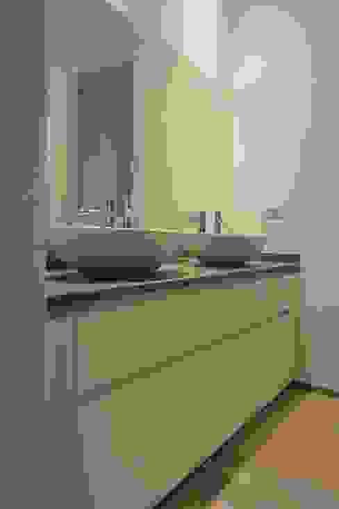 VILLE IN BIOEDILIZIA Modern Bathroom
