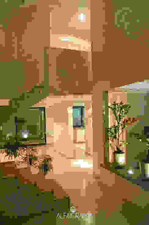 Ambientación nocturna Pasillos, vestíbulos y escaleras modernos de Alfagrama estudio Moderno