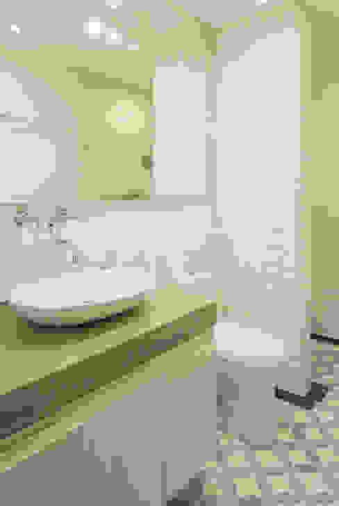 ARCE S.A.S Modern bathroom