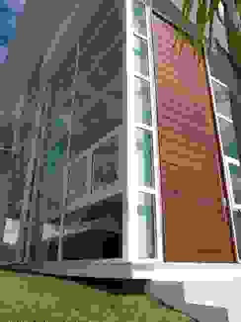 BUSCA VIDA 01 - Fachada de Vidro - Condomínio Buscaville, Busca Vida Casas modernas por CHASTINET ARQUITETURA URBANISMO ENGENHARIA LTDA Moderno Vidro