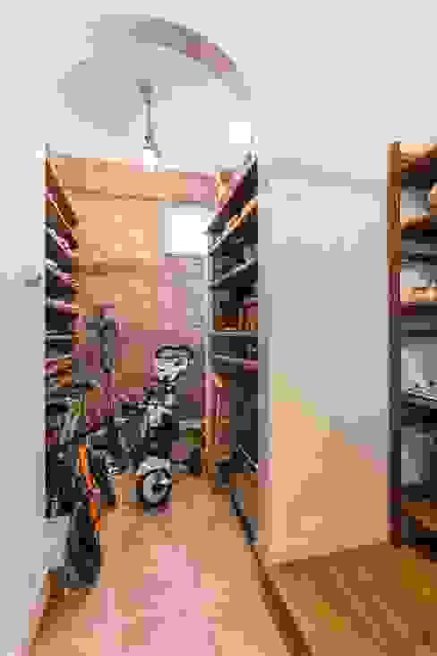 シューズクローク ジャストの家 インダストリアルな 玄関&廊下&階段