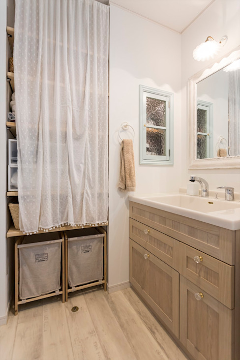 Mediterranean style bathroom by ジャストの家 Mediterranean