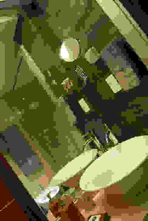 En los detalles esta la diferencia... Baños eclécticos de Diseñadora Lucia Casanova Ecléctico