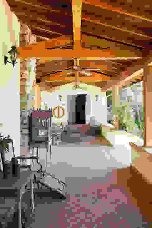 Terrace by Studio 011 Arquitetura
