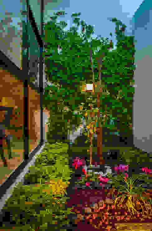 Jardines de estilo  por Wowa,