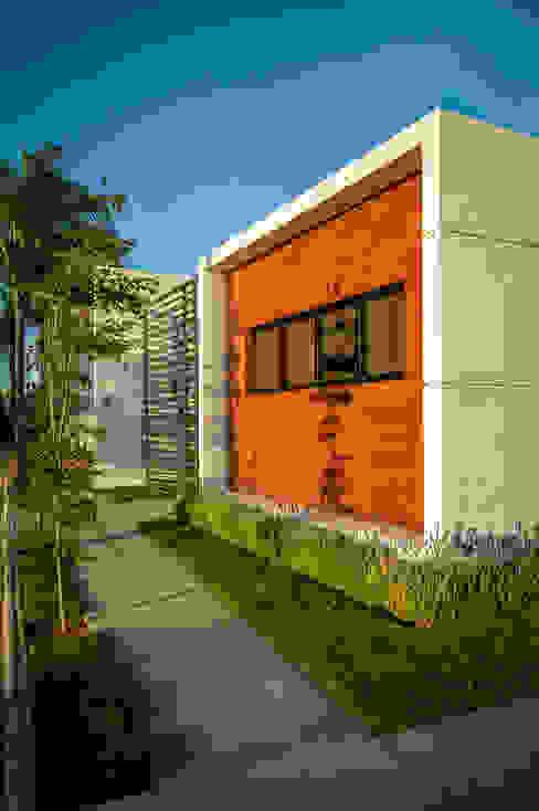 Casas modernas de Wowa Moderno