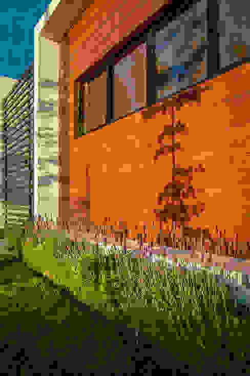 Casas modernas: Ideas, imágenes y decoración de Wowa Moderno
