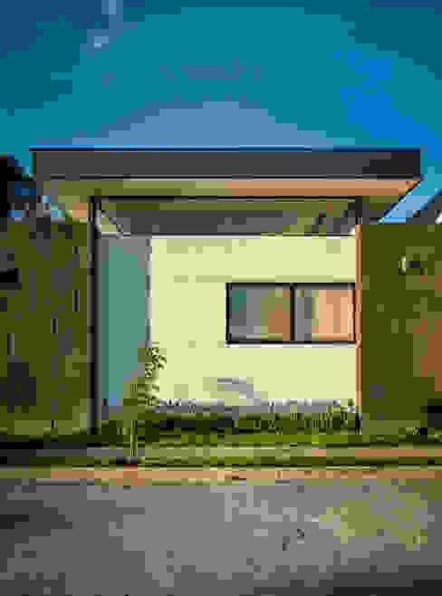 Modern home by Wowa Modern