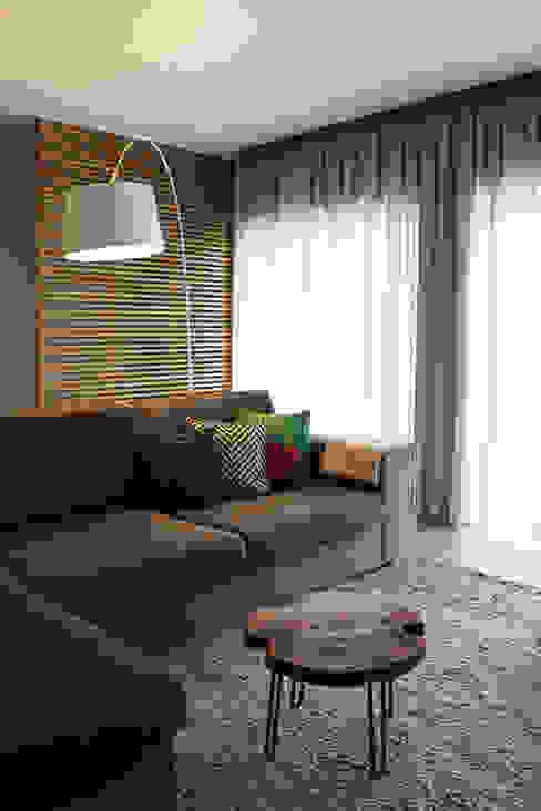 CV Interiors - sala de estar: Salas de estar  por Artspazios, arquitectos e designers