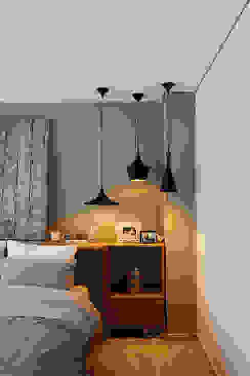 Modern style bedroom by homify Modern Copper/Bronze/Brass