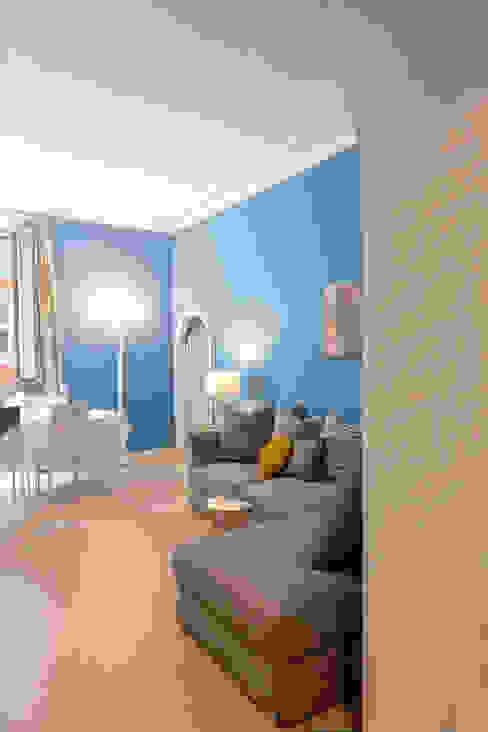 Luxury Apartment in Rome-Piazza di Spagna Soggiorno eclettico di Tania Mariani Architecture & Interiors Eclettico Marmo