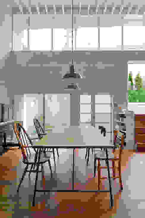 Comedores de estilo  por 株式会社長野聖二建築設計處, Moderno
