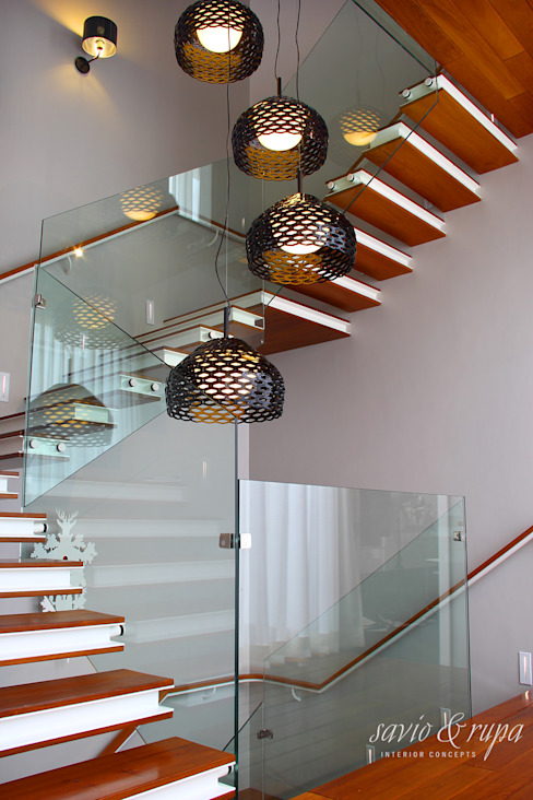 Cantilevered Staircase: scandinavian  by Savio and Rupa Interior Concepts ,Scandinavian