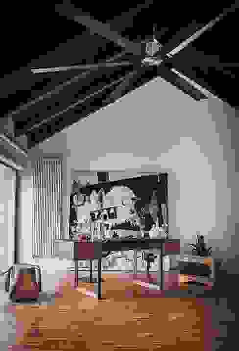 Elle Ecrit design Jamie Durie Riva1920 Studio moderno Legno