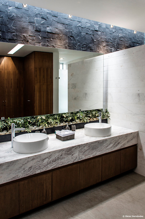 Modern style bathrooms by BAG arquitectura Modern Marble