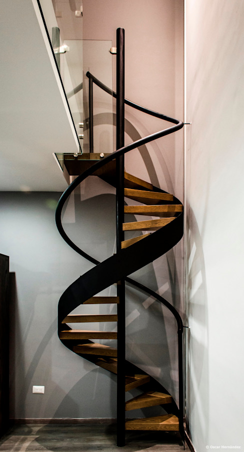 BAG arquitectura Modern Corridor, Hallway and Staircase Iron/Steel Black