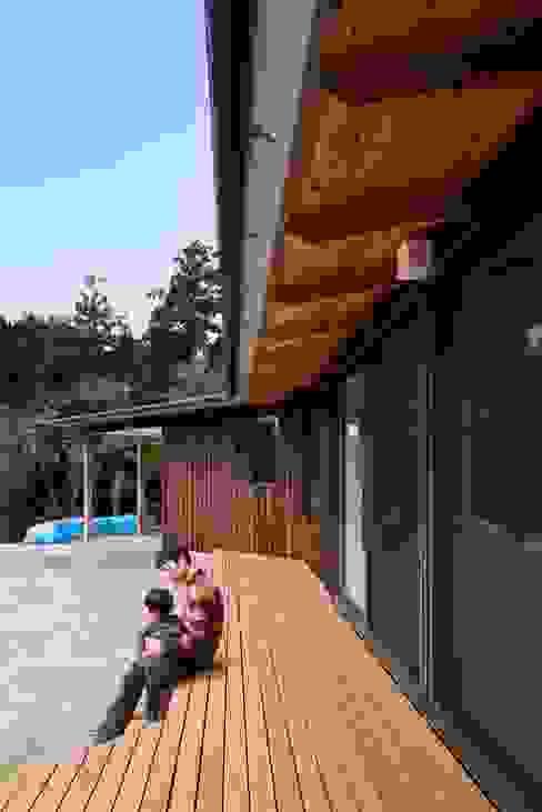 Terrasse de style  par 大森建築設計室