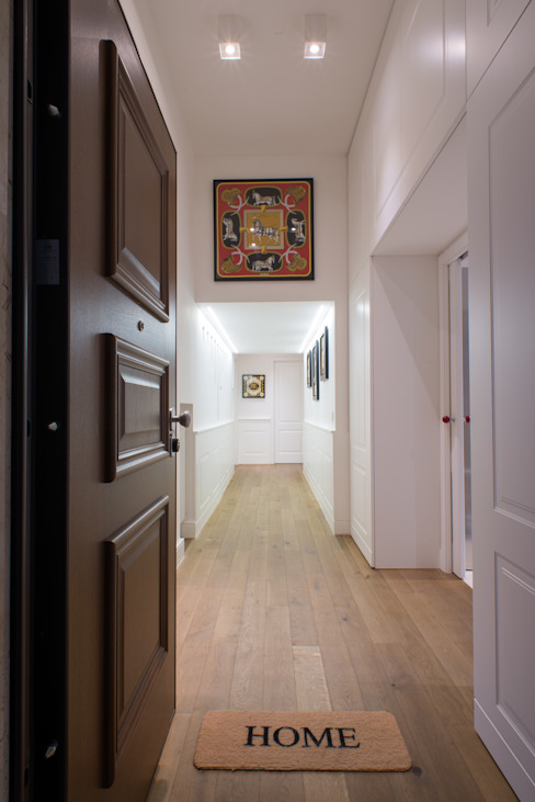 Modern Corridor, Hallway and Staircase by Mario Ferrara Modern