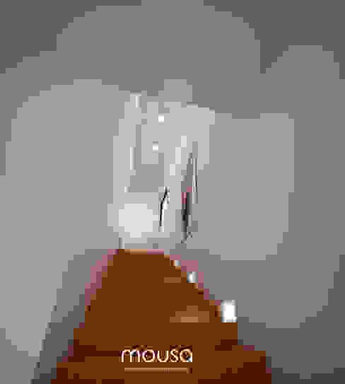 Casa Alor Pasillos, vestíbulos y escaleras modernos de mousa / Inspiración Arquitectónica Moderno