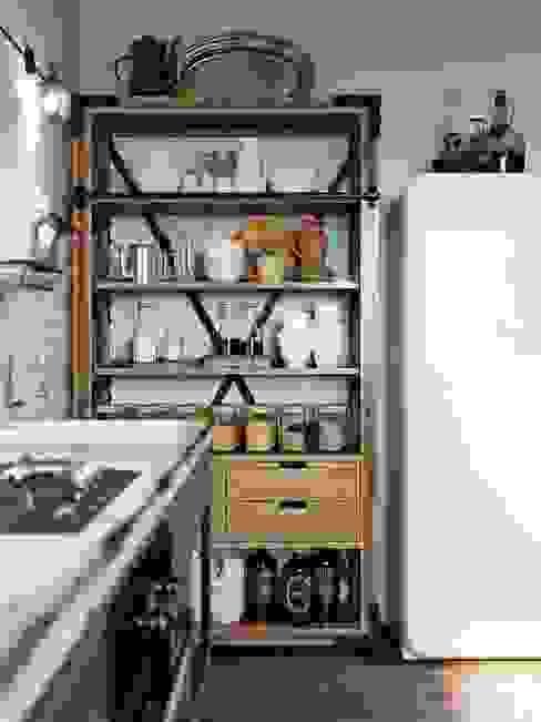 Лофт в Киеве Кухня в стиле лофт от Дизайн-мастерская 'GENESIS' Лофт