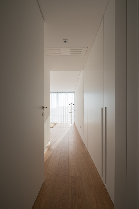 Casa MR: Quartos  por BLK-Porto Arquitectura,Minimalista