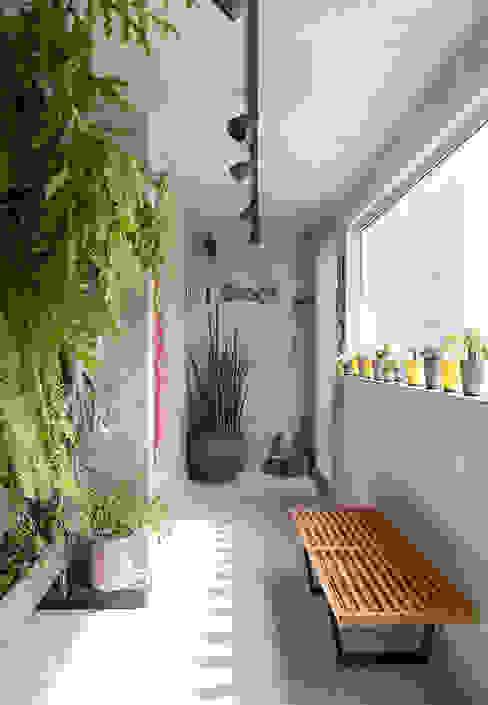 Modern conservatory by Eliane Mesquita Arquitetura Modern Concrete