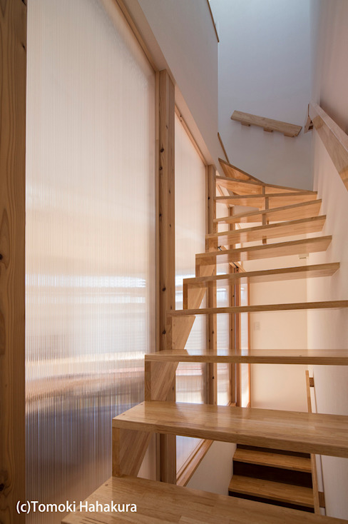 Modern Corridor, Hallway and Staircase by I Live Architects/田辺弘幸建築設計事務所 Modern