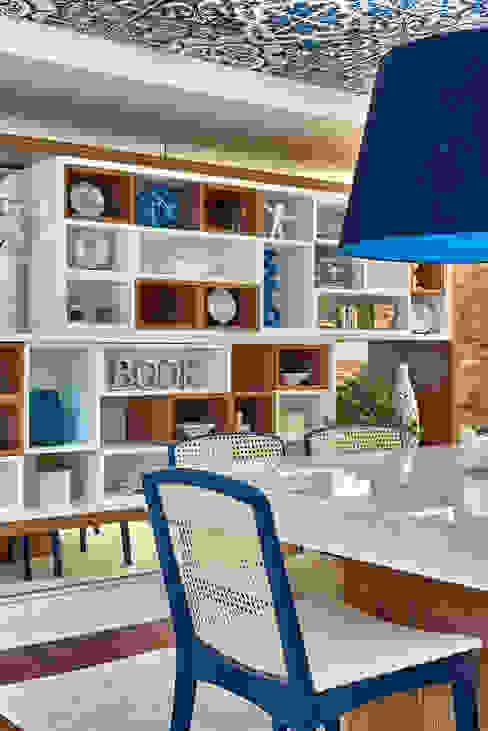 Mostra Líder Interiores 2015 Salas de jantar modernas por Emmilia Cardoso Designers Associados Moderno