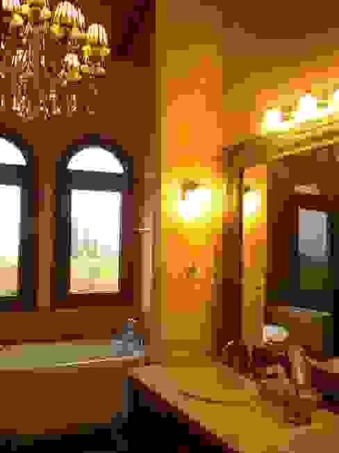 Mediterranean style bathrooms by Azcona Vega Arquitectos Mediterranean